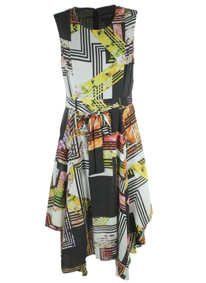 Frank Lyman, Kolorowa sukienka wiązaną w pasie.