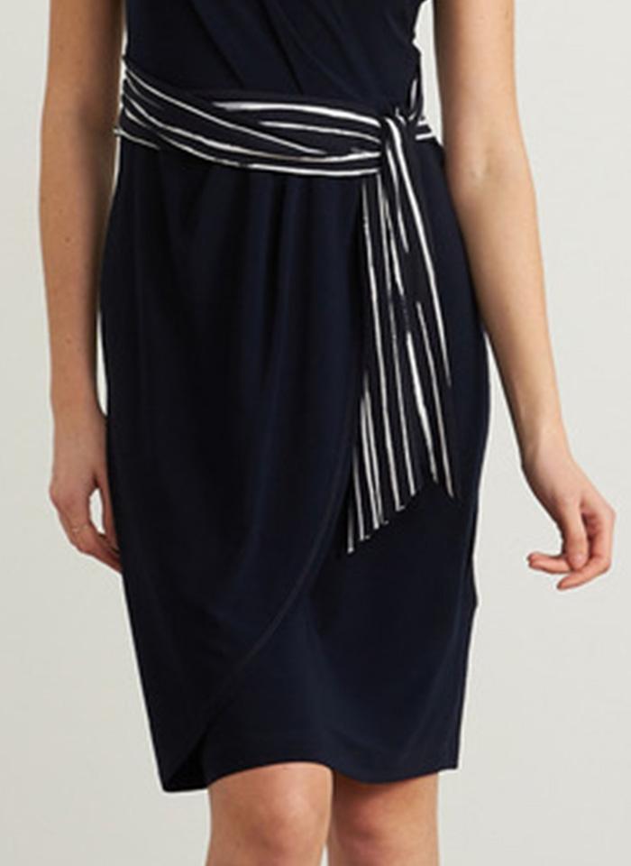 Joseph Ribkoff, Granatowa sukienka z paskiem