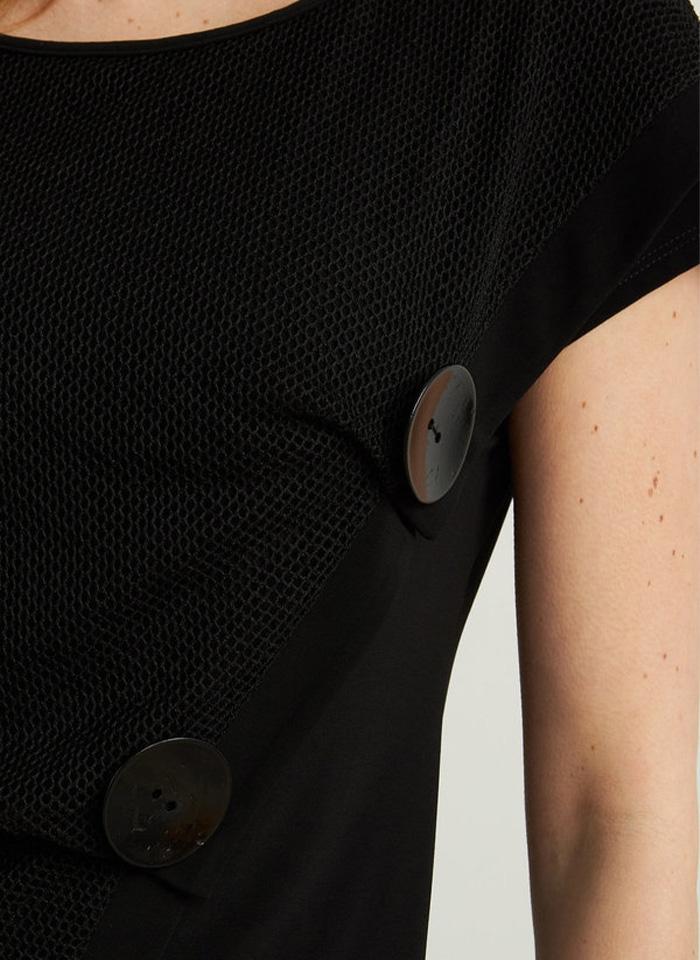 Joseph Ribkoff, Czarna bluzka z ozdobnymi guzikami.